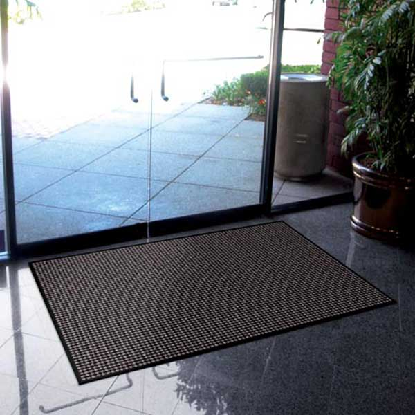 Aparment building prestige door mats case of 12 for Indoor front door mats