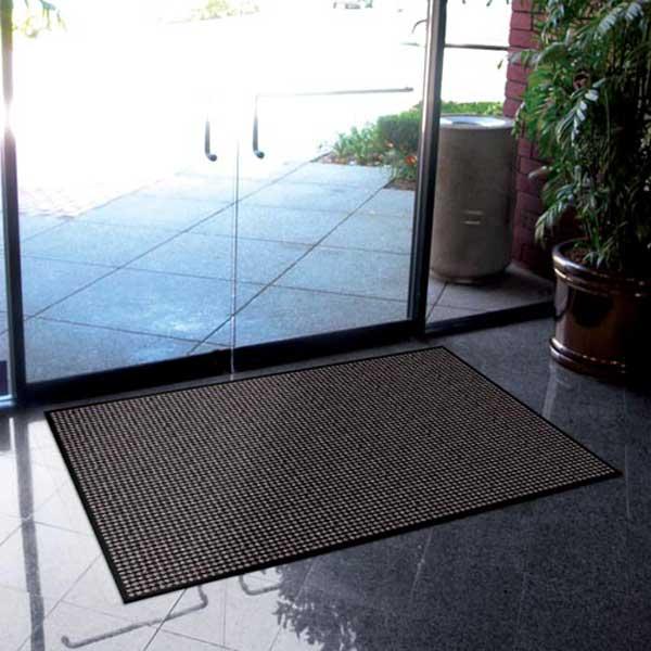 Aparment building prestige door mats case of 12 for Indoor front door mat
